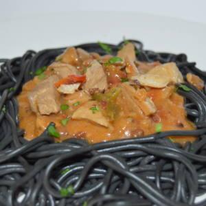 Espaguetti neri con salsa marinera